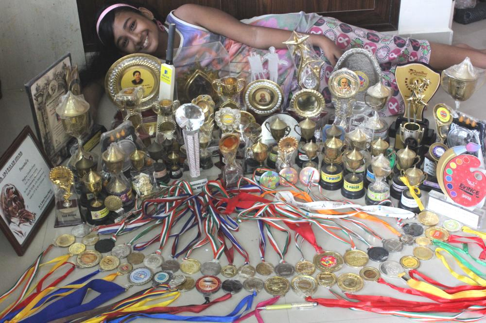meghna-unnikrishnan-with-awards
