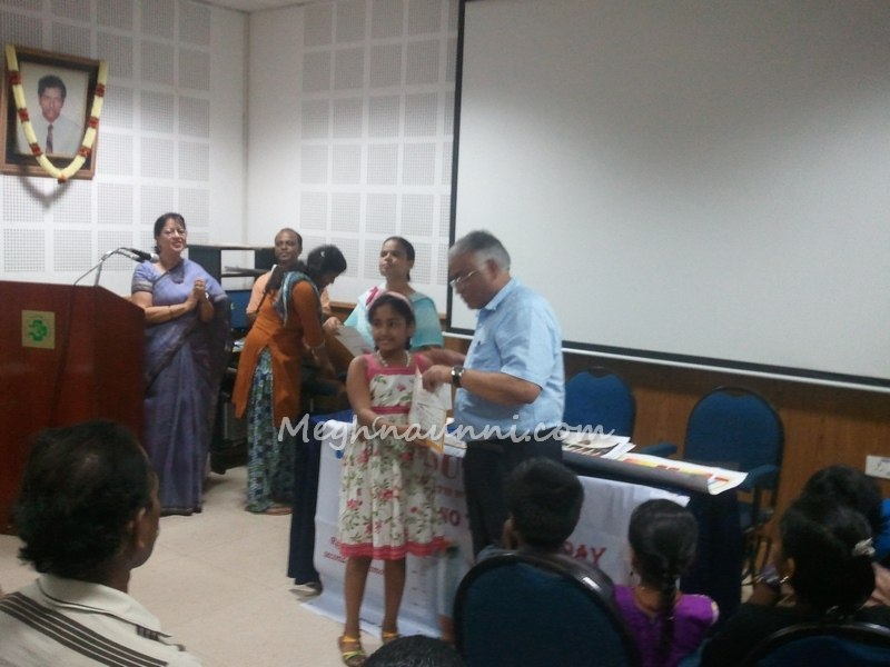 meghna-at-smf-can-stop-painting-competition-2014-award-ceremony